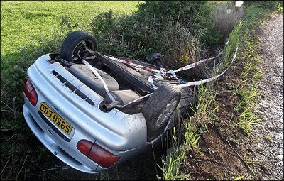 brean-car-in-ditch-1